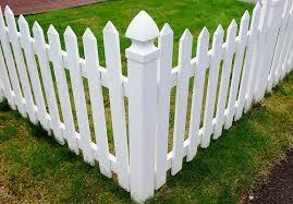 vinyl fencing. Pb3131/flickr Vinyl Fencing