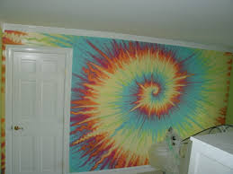 ... 3000 pixels. Cool abstract tie-dye wall painting by Marta Sytniewski