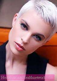 Extrémní ženský účes Ježek T Vlasy 2019