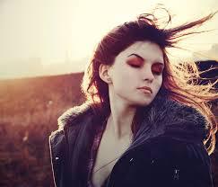 خذني ملكةً لمشاعرك واجعل نبضي images?q=tbn:ANd9GcR