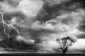 Znalezione obrazy dla zapytania thunderstorm black and white