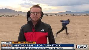 Lad Naruto Runs Past Reporter At Area 51 During Live News ...