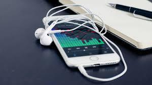 Apple Iphone 6s White And Heaphones Uhd ...
