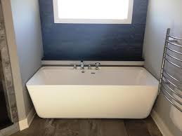 image of jetted acrylic bathtubs pros and cons