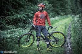 The Review Nukeproof Lite Knee Pads Enduro Mountainbike