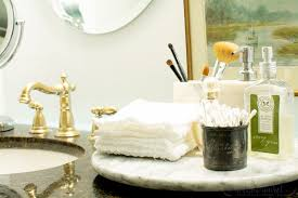 this is a step by step tutorial for how to paint your bathroom faucet using