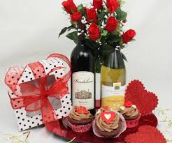 diy valentines gift baskets for her diy do it your self
