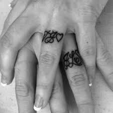 Vytetované Prsty žena Tetování Na Prstech