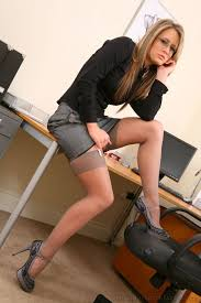 Bonnie babe fucked in an office6