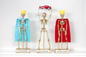 Best Halloween Costume Award Costume Award Trophies For Your Halloween Party Make It And Love It