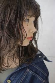 ミディアム必見トレンド感満載な暗髪で春夏秋冬モテカラー