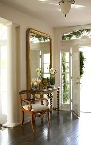 Festive Traditional Entryways Home Holiday And Staircases wqwST4U7