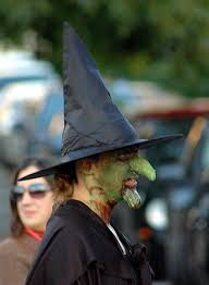 witch with warty prosthetic nose and chin
