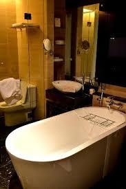 the majestic hotel kuala lumpur big bathroom