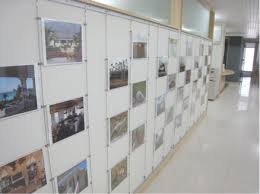 on art gallery museum display wall ideas with museum education gallery hanging systems