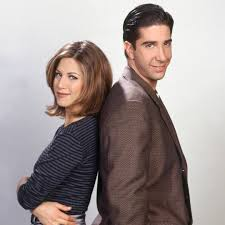 David schwimmer has denied claims he is growing closer to jennifer aniston following the friends reunion. Jennifer Aniston David Schwimmer Reveal They Almost Dated Irl E Online Deutschland