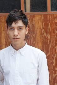 韓国ヘアスタイル韓国男子 自然なリーゼントツーブルロクカットヘア