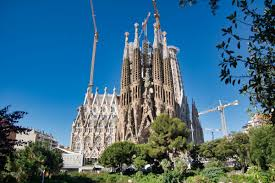 The site remains an incredible monument worth visiting. Sagrada Familia Barcelona 2026 Structurae