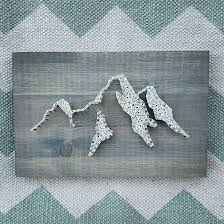 Mountain string and nail art. Show your love of the PNW! Mountain | Art | String  Art | Mountain String Art | Home Decor | Gift | Etsy | Artsy mob ...