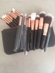 brushes zoeva and make up image