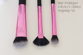 real techniques setting brush dupe. finally the set exclusive is fan brush, which got me really excited because i didn\u0027t have one in my collection. this cut perfect to apply a light real techniques setting brush dupe w