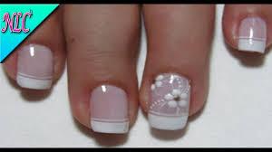La nube es simple, unas manchitas blancas y listo. Decoracion De Unas Frances Con Flores French Nail Art Flowers Nail Art Nlc Youtube