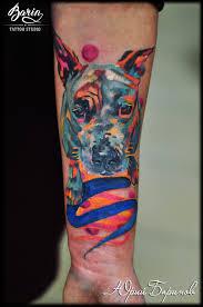 татуировка собаки цветная татуировка на женской руке татуировщик