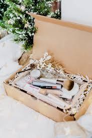 holiday gift guide diy clean makeup box