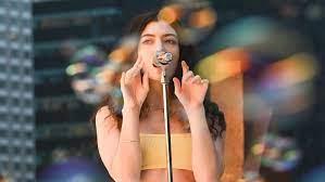 Lorde - Stoned at the Nail Salon ...