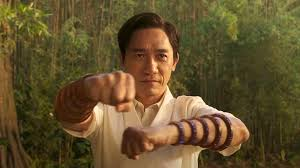 Shang was raised to become a deadly assassin by his father, the immortal crime lord and sorcerer fu manchu. Marvels Erster Shang Chi Trailer Zeigt Einige Interessante Mcu Cameos Techradar