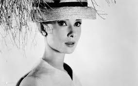 <b>Audrey Hepburn</b> Theme & New Tab