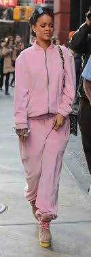 How To Wear Light Pink Pants Pastel Pink Jogger Pants Howtowear Fashion