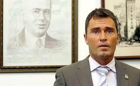 La crisis que machaca a todos los ayuntamientos de España ha llevado al alcalde de Alanís de la Sierra, Cecilio Fuentes de la Fuente (ex PA), a adoptar una ... - Cecilio%25252520Fuentes%25252520de%25252520la%25252520Fuente