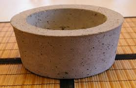 Large concrete bowl / pot - using a budnt cake mold.