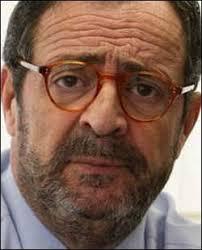 Javier González Ferrari. 50%; 50%; 0%; 0%. Presidente Ejecutivo de Onda Cero Radio, González Ferrari nació en Madrid en 1952. Tras licenciarse en Periodismo ... - javiergonzalezferrari_250x310