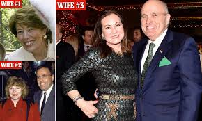 The democratic party had a bad year in 2016, but charles chuck schumer is coming out on top. Former New York City Mayor Rudy Giuliani Divorce Gets Ugly Daily Mail Online