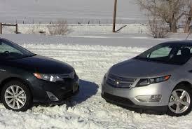 2012 Chevy Volt vs Toyota Camry Hybrid Mashup Review & 0-60 MPH ...