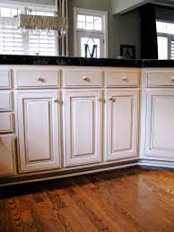 Glazed White Kitchen Cabinets Cream Kitchen Cabinets Chocolate Glaze Quicuacom