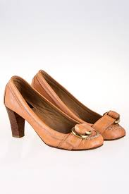 light tan leather pumps with buckle mouse