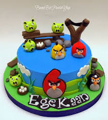943f ec8220c4c8e8002cc297f9b angry birds party angry birds cake