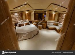 Italien Fiumicino Rom Luxus Yacht Schlafzimmer Stockfoto