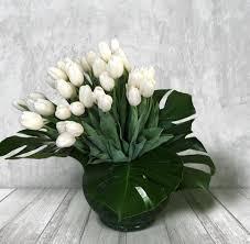 white tulips lefleur v a s e