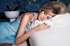 sleeping in makeup 9 ways to make yourself look older sleeping with your makeup on