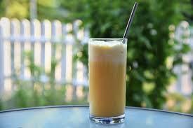 Cocktail Mit Vanilleeis Für Einen Warmen Sommerabend Silberschlappi