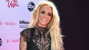 britney spears makeup artist on her glowing and y bbmas look