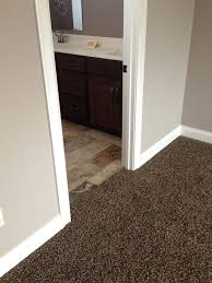 what color carpet with grey walls what color carpet goes with gray walls bath best color