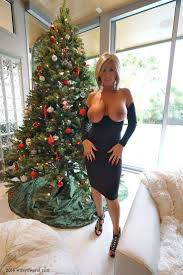 The 168 best images about Cougars and MILFs on Pinterest.