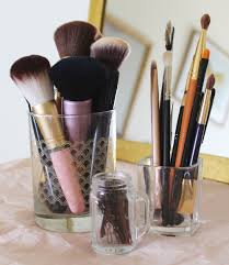 5 Ideas for Storing Makeup with Repurposed Goods | Peaceful Dumpling