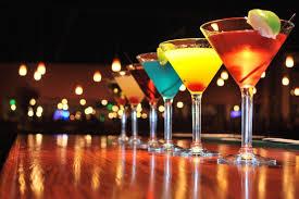 <b>Бокал для мартини</b>: виды, как правильно пить