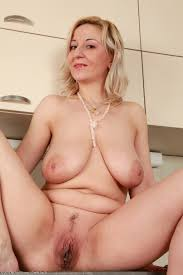 Plump mature old woman saggy tits